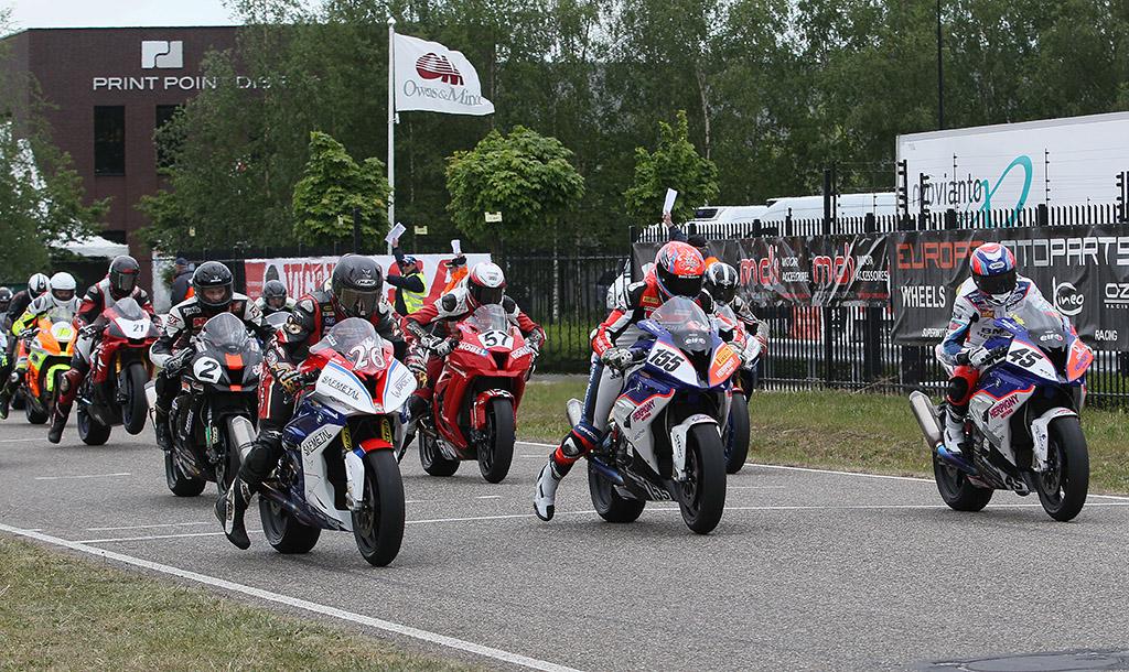 Start IRRC Superbike 1